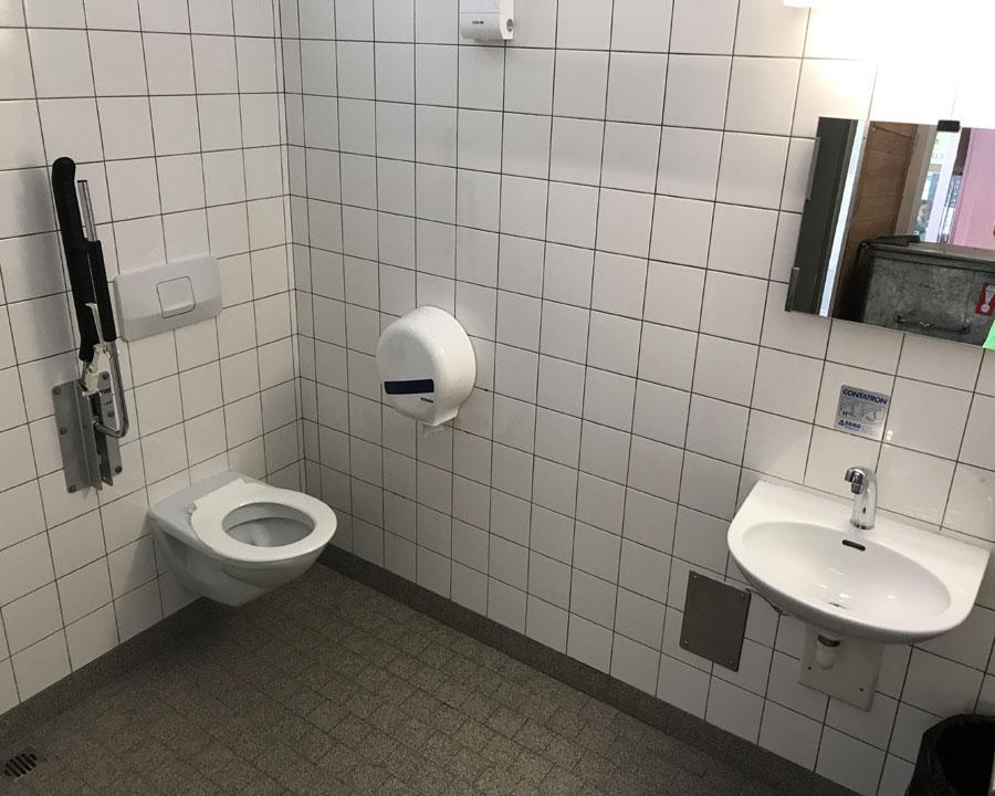 Rollstuhlgerechte Toilette Restaurant Park am Rheinfall