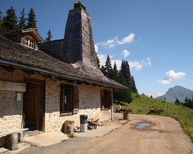 Alpine cheese making - Chalet Temeley