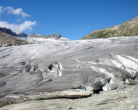 Glacier du Rhône et sa grotte de glace