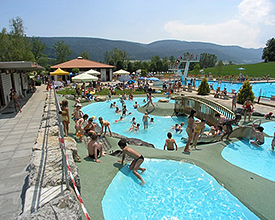 Outdoor pool Piscine des Combes in Boveresse