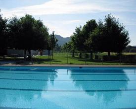 Schwimmbad Full