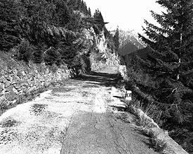 Passo d. Lucomagno - strada carrozzabile
